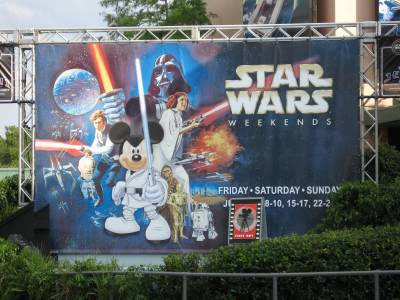 Photo illustrating <font size=1>Disney Hollywood Studios - Star Wars Weekend sign