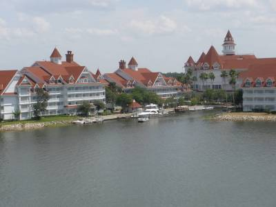 Photo illustrating <font size=1>Grand Floridian from the monorial