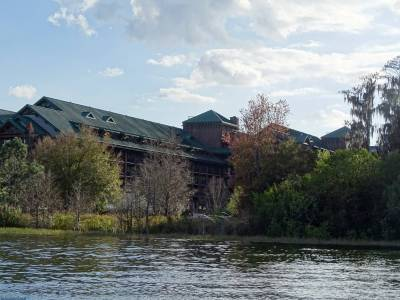 Photo illustrating <font size=1>Wilderness Lodge - from Bay Lake