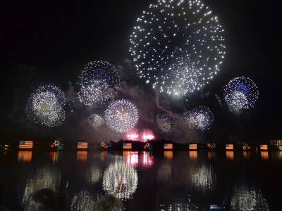 Photo illustrating <font size=1>Polynesian Resort - 4th of July fireworks