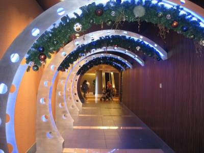 Photo illustrating <font size=1>Contemporary Resort - Entrance to The Wave