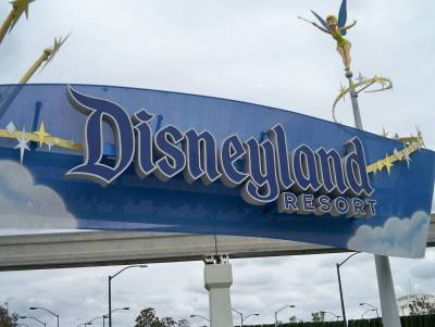 Photo illustrating Disneyland pedestrian entrance - Harbor Blvd.