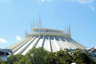 Photo illustrating Disneyland--Tomorrowland--Space Mountain