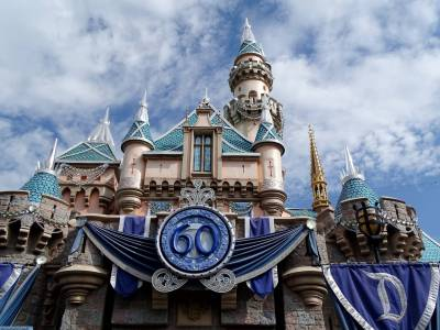 10 Tips to Beat the Heat at Disneyland