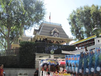 Welcome to Disneyland Tour photo