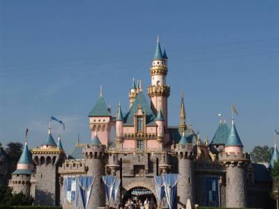 Photo illustrating <font size=1>Disneyland - Sleeping Beauty Castle