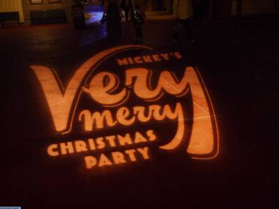 Photo illustrating <font size=1>Halloween Party projection