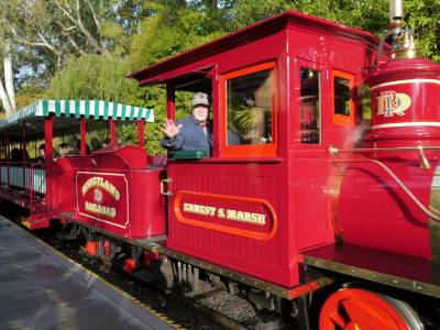 Photo illustrating <font size=1>Disneyland Park - Railroad