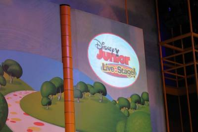 Photo illustrating <font size=1>Disney California Adventure - Disney Junior Live on Stage