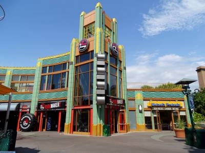 Photo illustrating <font size=1>Downtown Disney - RideMakerz