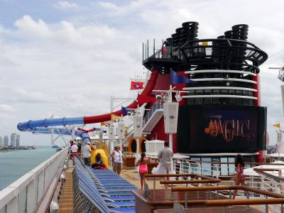 Photo illustrating <font size=1>Deck 10 - Disney Magic