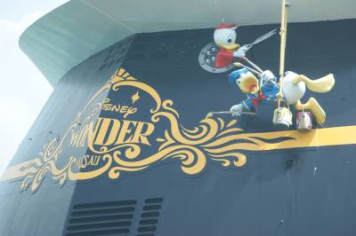Photo illustrating <font size=1>Back of the Disney Wonder