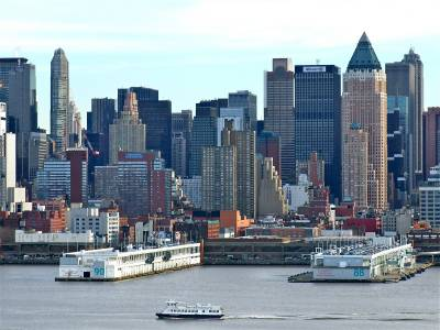 Photo illustrating Manhattan Cruise Piers 88 & 90