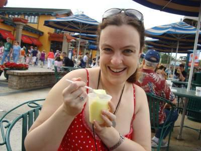 Photo illustrating <font size=1>Downtown Disney - gelato time
