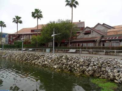 Photo illustrating <font size=1>Disney Springs - view from boat service