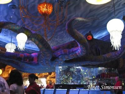 Downtown disney t rex restaurant passporter photos for Disney dining reservations t rex