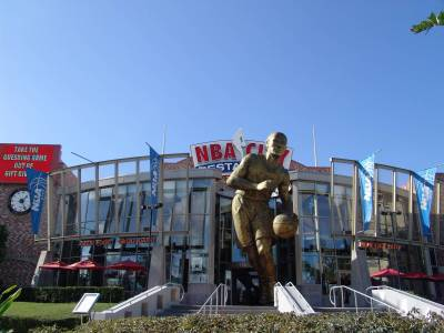 Photo illustrating <font size=1>CityWalk - NBA City