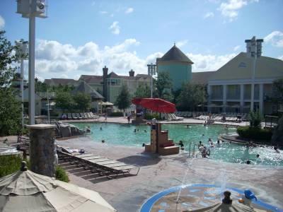 Photo illustrating <font size=1>Saratoga Springs - Theme Pool Area
