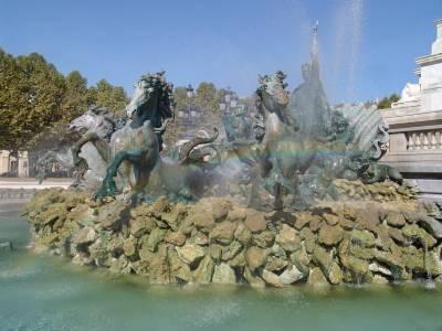Bordeaux - Monument aux Girondins photo