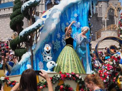 Photo illustrating <font size=1>Festival of Fantasy Parade