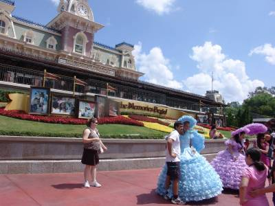 Photo illustrating <font size=1>Magic Kingdom - Easter surprise for the crowds