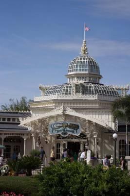Magic Kingdom Crystal Palace Passporter Photos