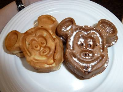 Photo illustrating <font size=1>Magic Kingdom - Crystal Palace mickey waffles