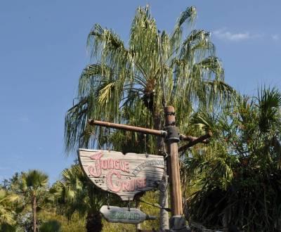 Photo illustrating <font size=1>Adventureland - Jungle Cruise Sign