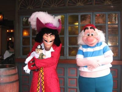 magic kingdom adventureland captain hook and mr smee