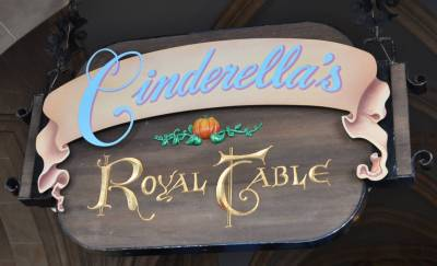 Photo illustrating <font size=1>Cinderella