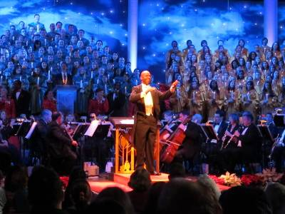 Photo illustrating <font size=1>Epcot - Candlelight Processional