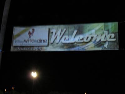 Photo illustrating <font size=1>Wine and Dine Half Marathon 2011