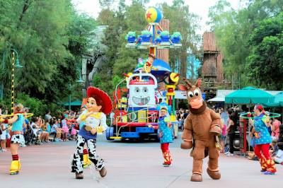Photo illustrating <font size=1>Pixar Pals Countdown to Fun Parade