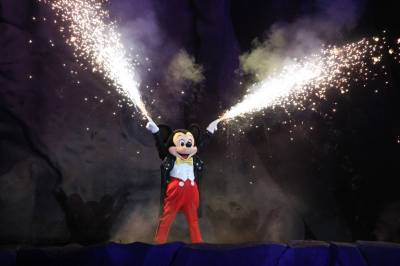 Photo illustrating <font size=1>Fantasmic Mickey