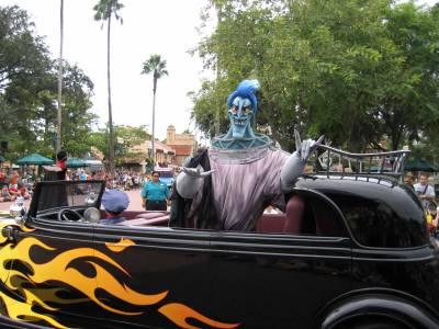 Photo illustrating <font size=1>Disneys Hollywood Studios - Hades in the Stars & Motor Cars Parade