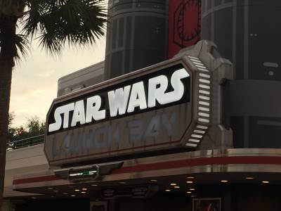 Photo illustrating Star Wars Dessert Party Review