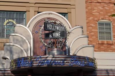 Photo illustrating <font size=1>Hollywood and Vine