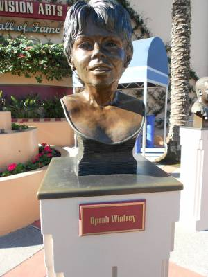 Photo illustrating Oprah Winfrey bust at the Hall of Fame