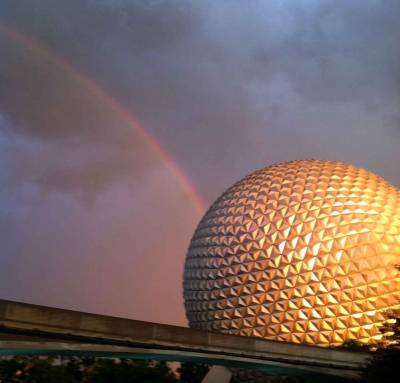 Photo illustrating <font size=1>Spaceship Earth Rainbow