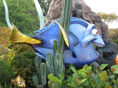 Photo illustrating <font size=1>EPCOT - Seas with Nemo &amp; Friends - Statue Garden