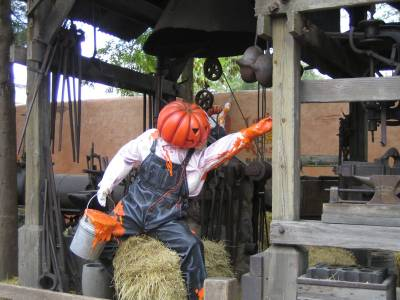 Disneyland Paris - Halloweenland photo