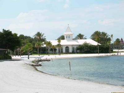 Photo illustrating <font size=1>Wedding Pavilion and Beach