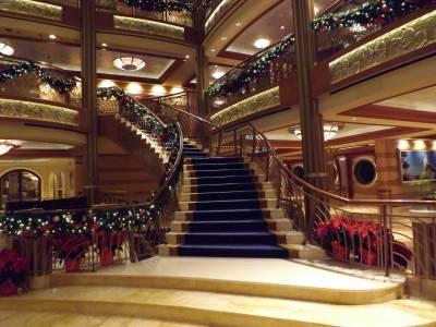 Photo illustrating <font size=1>Atrium - Christmas Decorations