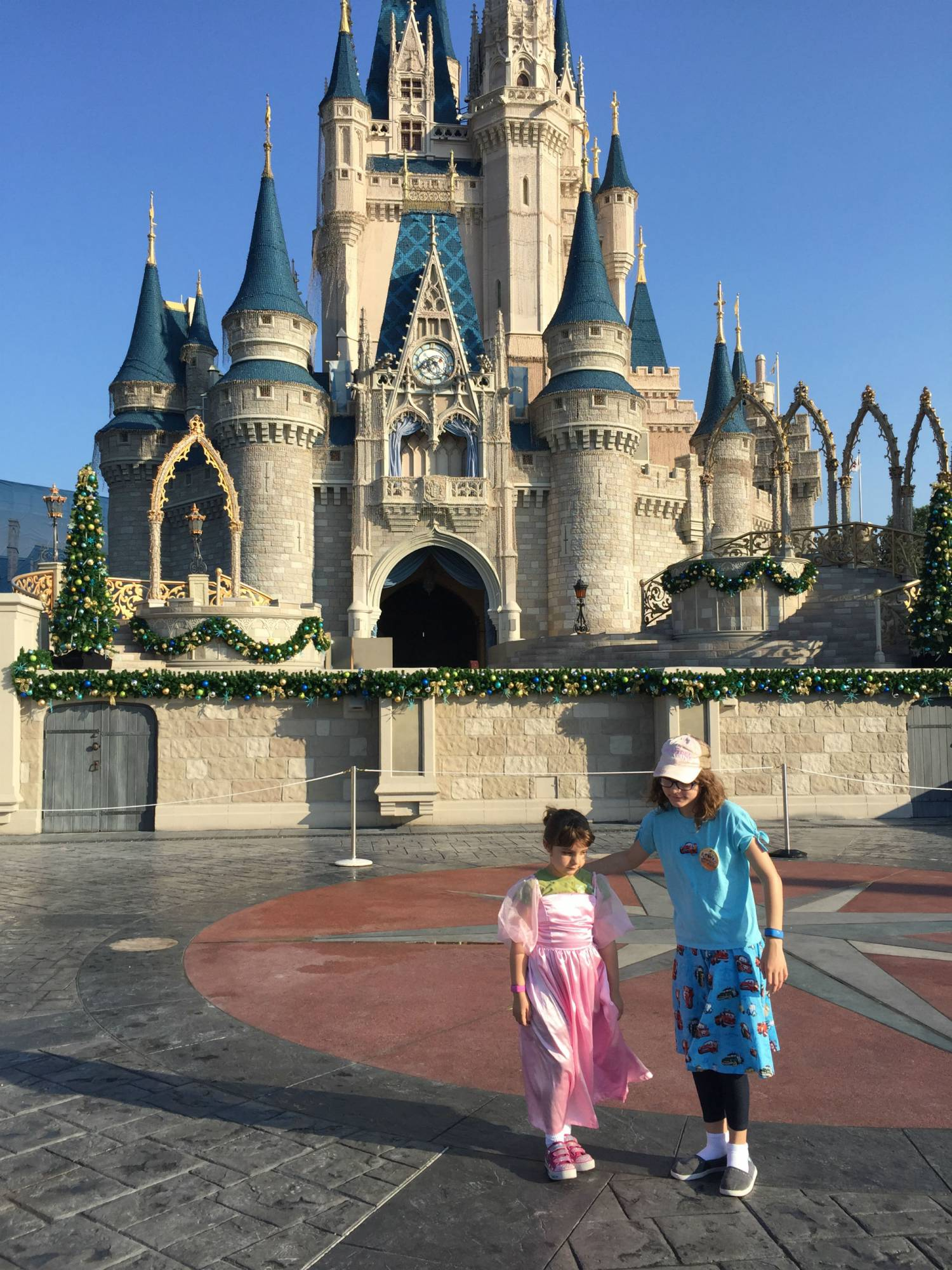 A guide to help you plan an adventure to Disney around your childs schooling |PassPorter.com