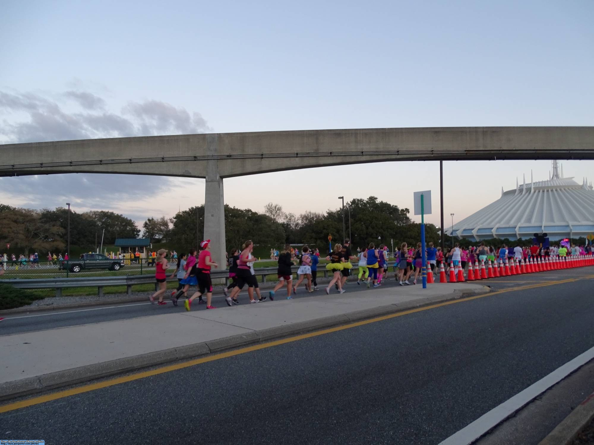 Learn about cheering on the runners at runDisney events! | PassPorter.com