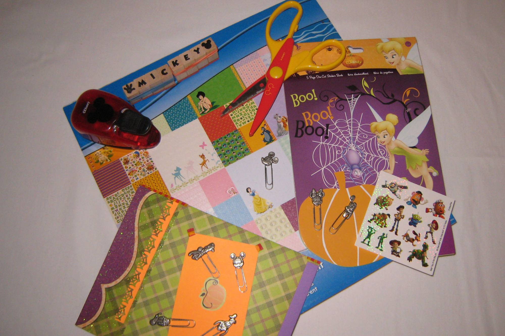 Learn how to create your own memory books for your Disney trips | PassPorter.com