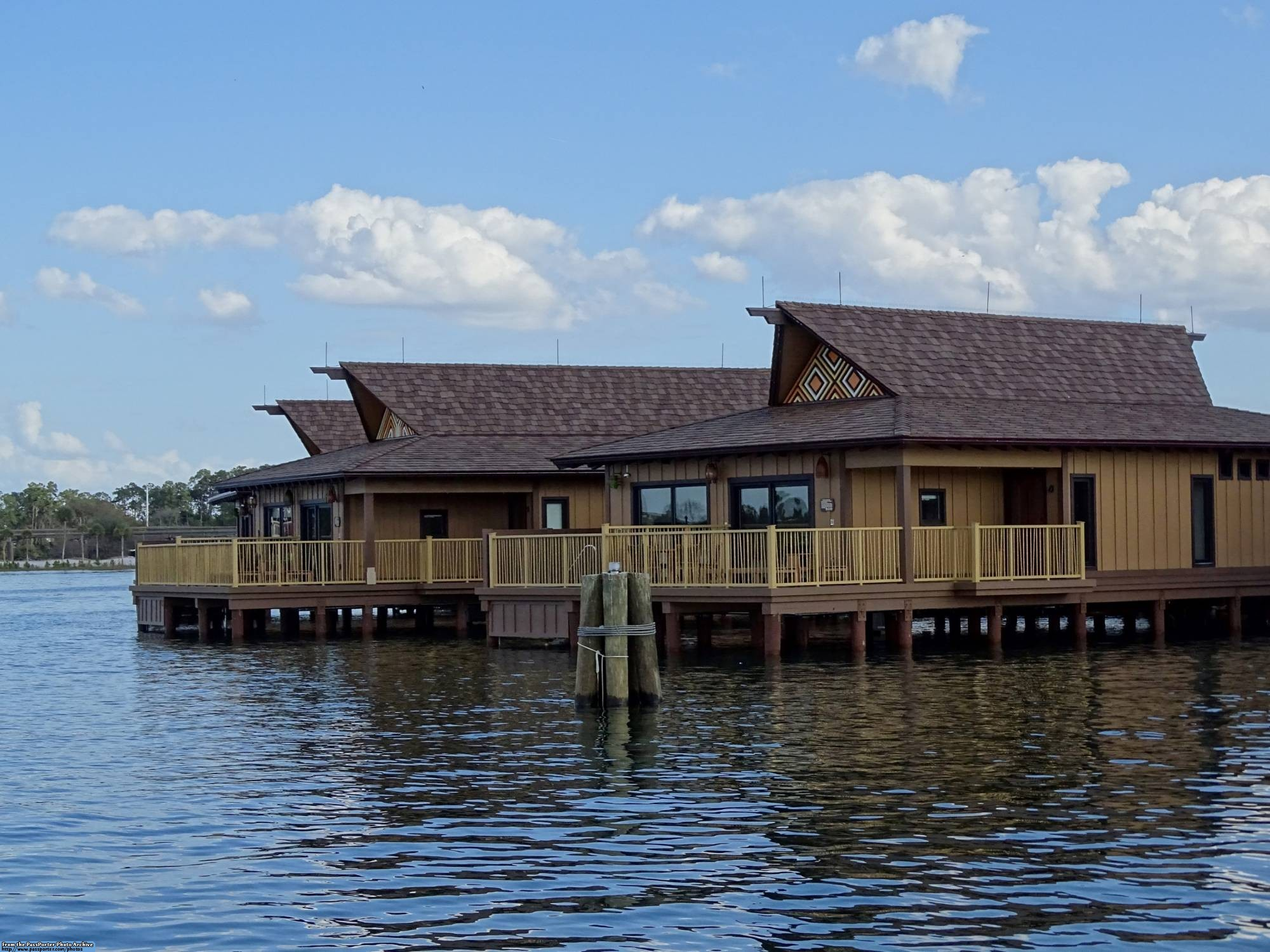 Enjoy the luxury and serenity of a stay in a Waterfront Bungalow at Disney's Polynesian Resort |PassPorter.com