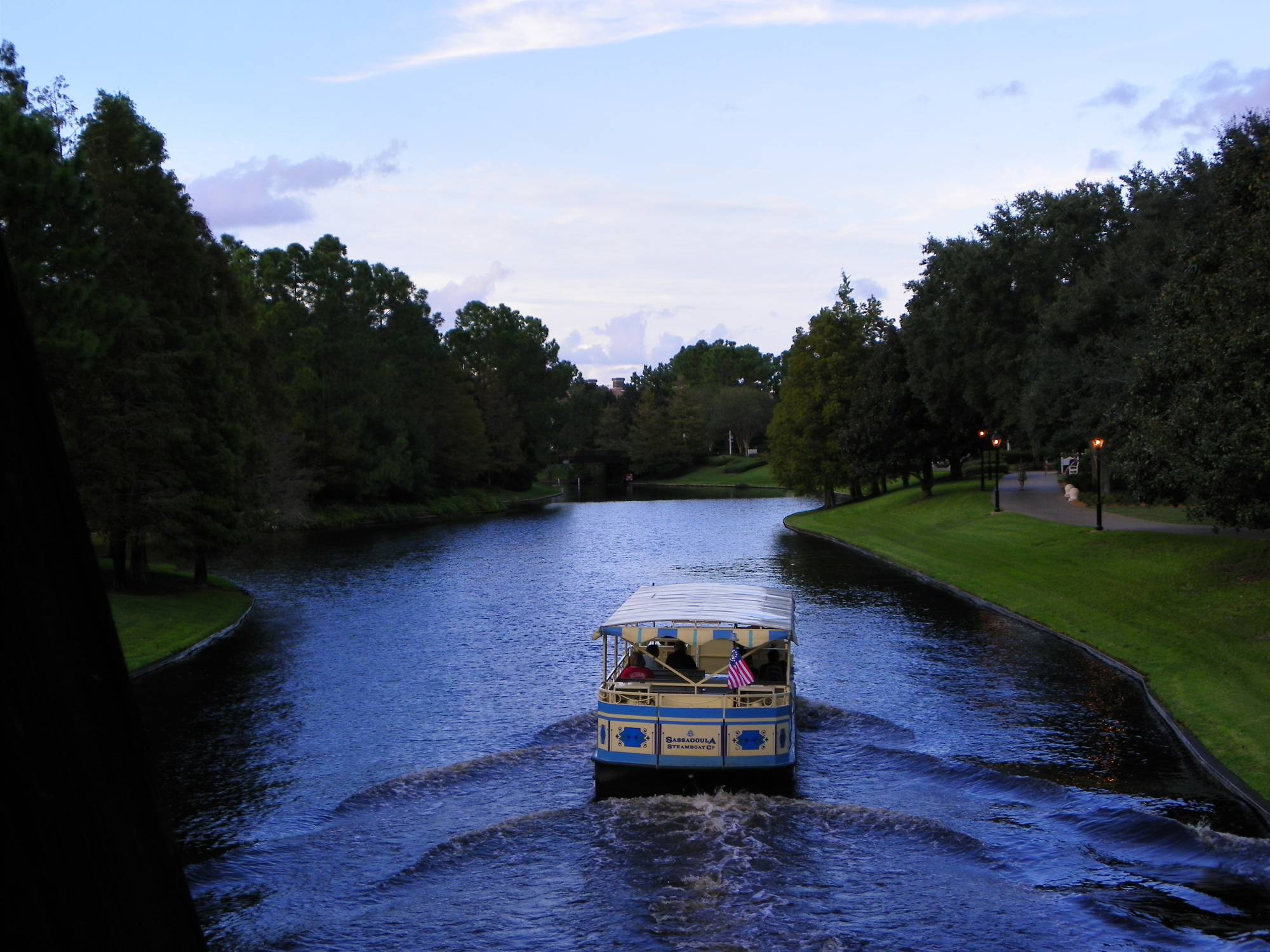 Cruise down the Sassagoula River to Port Orleans Riverside Resort with reviews and tips | PassPorter.com