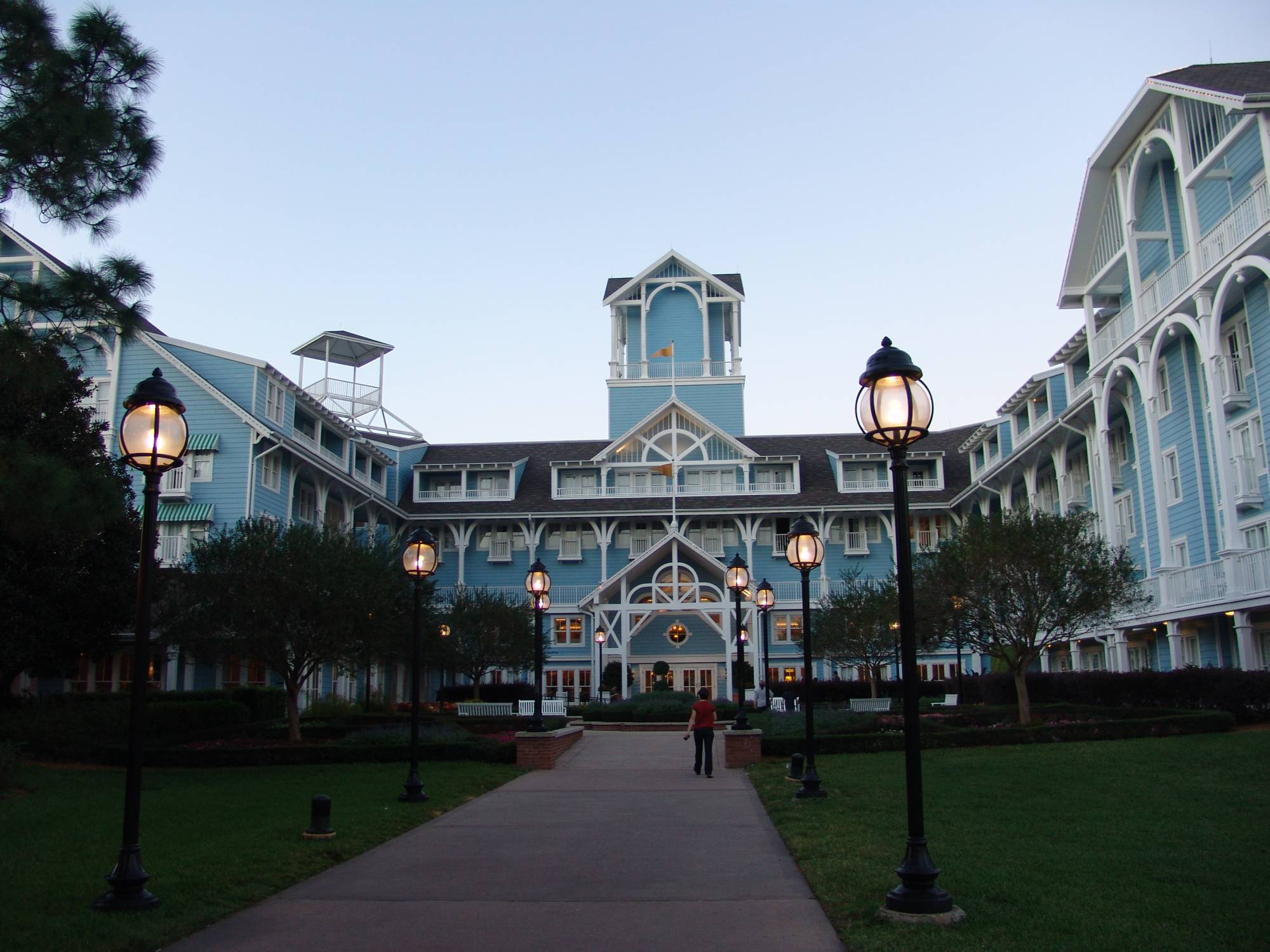 Explore the Shades of Green Resort at Walt Disney World with tips |PassPorter.com