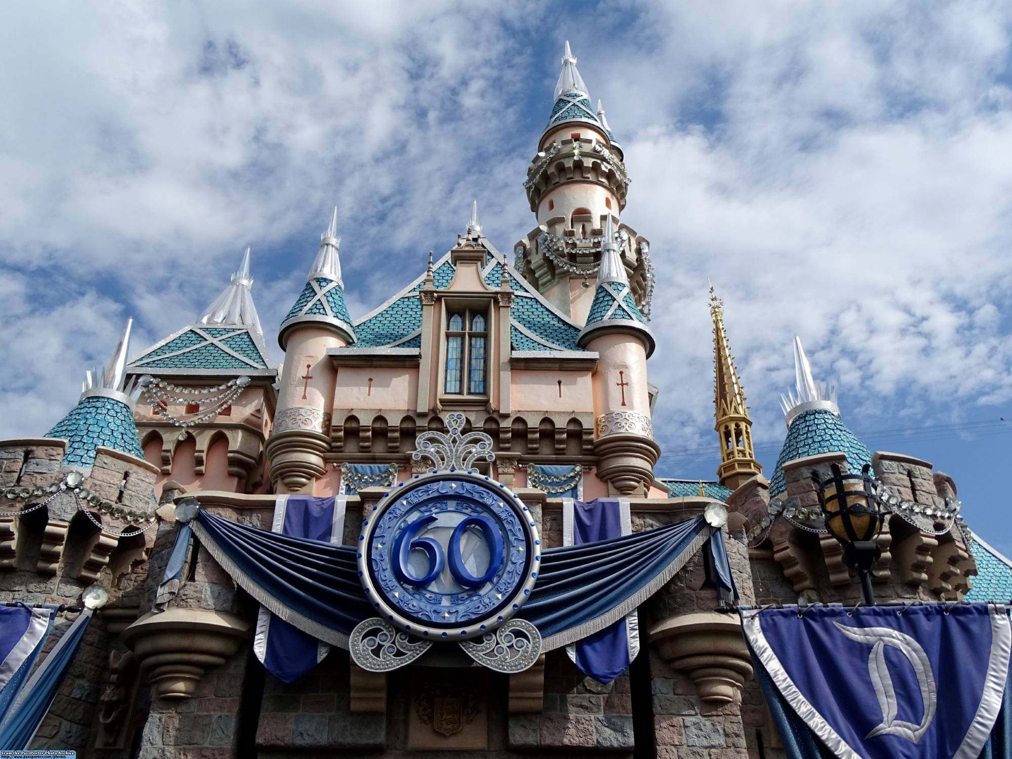 Learn how to stay cool and beat the heat at Disneyland |PassPorter.com
